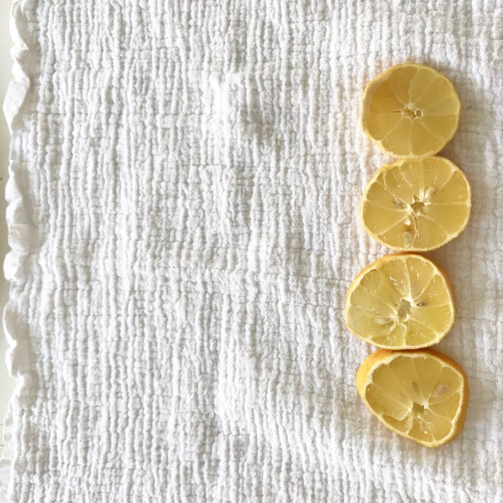 Zitronen scheiben - Halswickel selbermachen