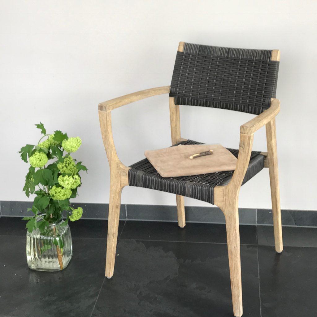 gartenm bel sch n schlicht nat rlich wir ziehen um. Black Bedroom Furniture Sets. Home Design Ideas