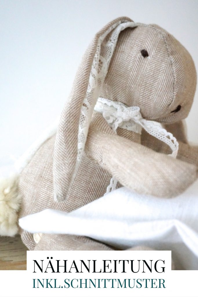 Hasenkind selbernähen, Schnittmuster für einen Stoffhasen aus Leinen