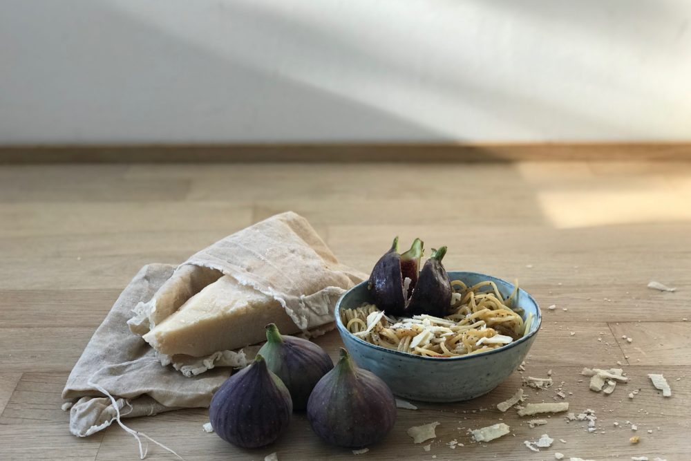 Pasta mit Feigen, Fenchel, Pinienkernen und einem Hauch Mohn.Ein Genuss für alle Sinne mehr Herbstrezepte findet ihr auf www.elfenkindberlin.de