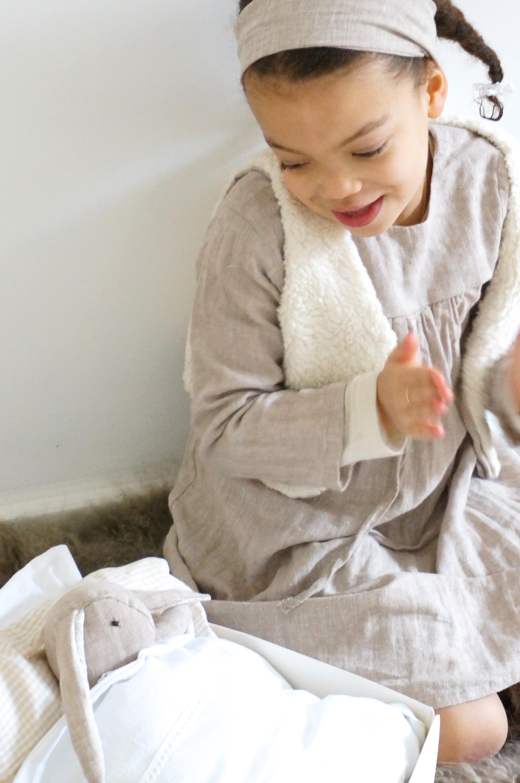Stoffhase zum selbernähen! Hasenkind selbernähen, Schnittmuster für einen Stoffhasen aus Leinen zu selbernähen mit udn für Eure Kinder. Noch mehr schöne DIY Ideen findet ihr auf unserem Blog www.elfenkindberlin.de